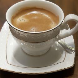 Juoda kava dvigubas.